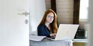 Können Arbeitgeber Homeoffice-Ausstattung sofort abschreiben?