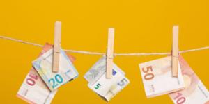 Geldwäsche und Geldwäschestraftatbestand: Steuerhinterziehung einen Riegel vorschieben